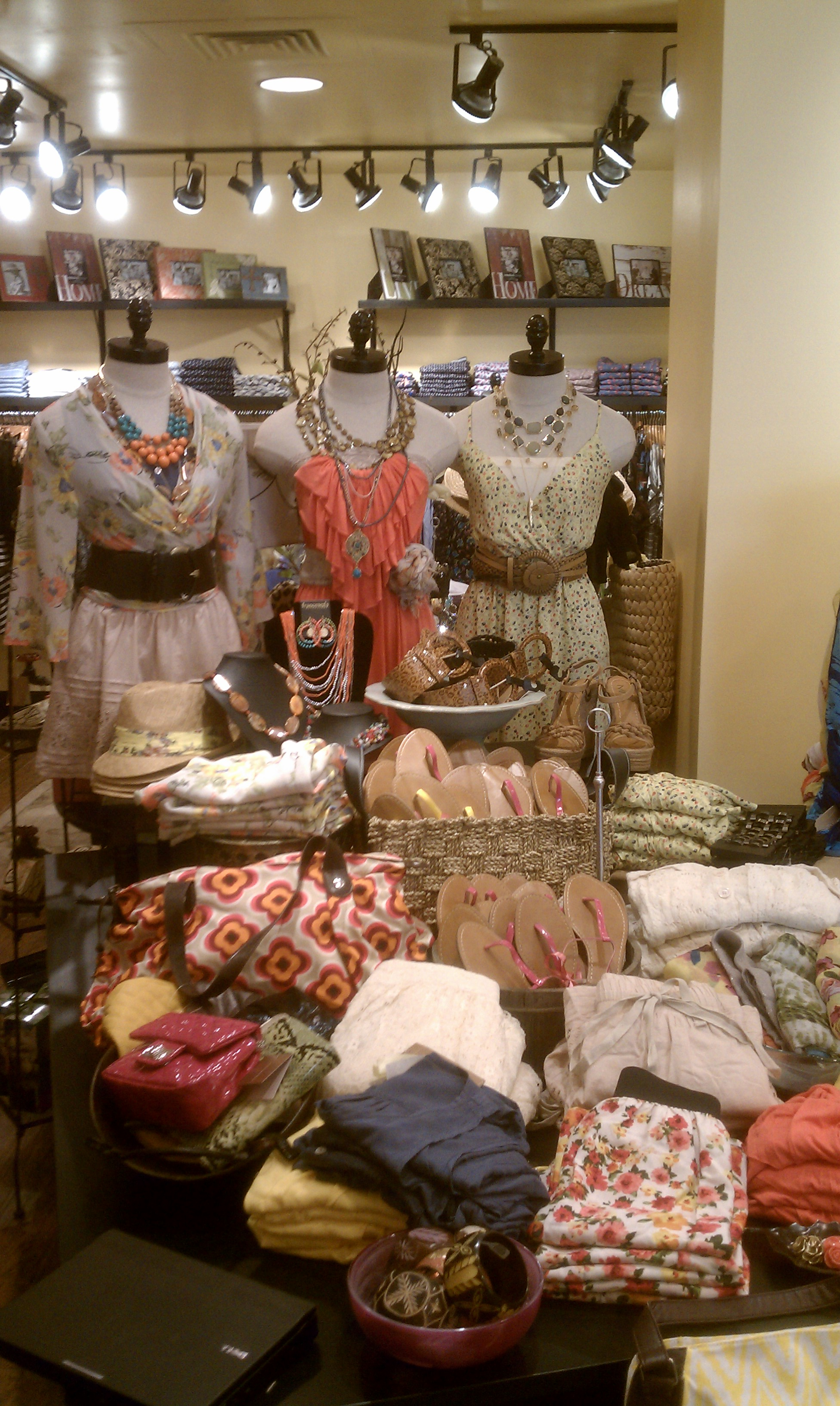 Francescau0027s Collections Is Now Open At Reston Town Center